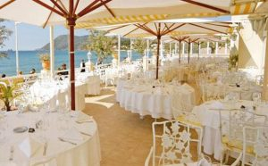 restaurant-la-vague-dor-saint-tropez