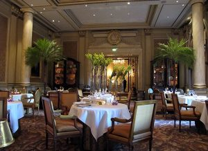 restaurant-le-cinq-hotel-georges-v