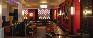 intérieur du bar restaurant le passage situé à la défense
